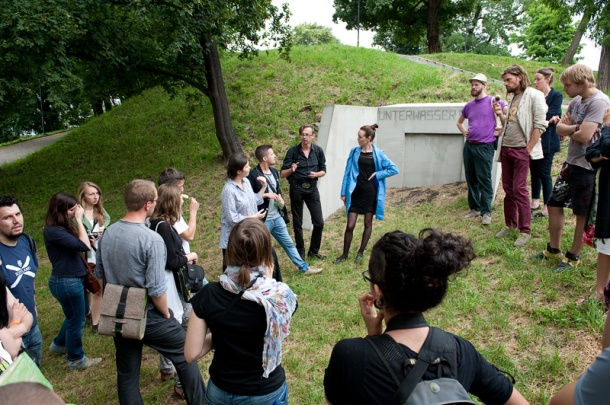 A tour with curators of SURVIVAL 11, fot_Peter Kreibich